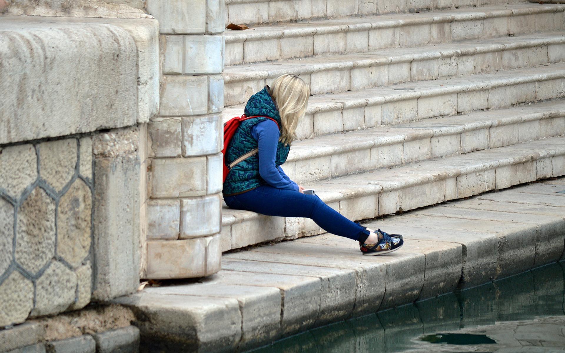 Une autre étude a révélé un lien inquiétant entre l'utilisation du smartphone et la dépression chez les adolescents. (Image via pixabay / CC0 1.0 )