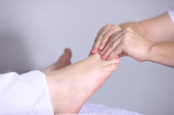 La médecine traditionnelle chinoise affirme que le pied comporte plus de 60 points d'acupuncture étroitement liés aux 12 méridiens des organes internes. (Image: Pixabay / CC0 1.0 )