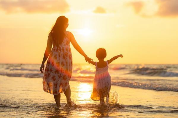 L'équilibre psychologique de la mère est aussi important pour le bébé que pour la mère. (Image: sasint/Pixabay)