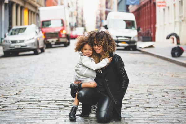 Avoir une famille qui vous soutient peut vraiment vous aider dans votre quête pour réintégrer le marché du travail. (Image: alphalight1/Pixabay)