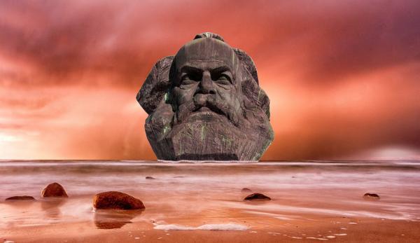 La lecture des poèmes de Marx révèle sa dévotion à Satan et son désir de prendre la place de Dieu.. (Image: via pixabay / CC0 1.0)