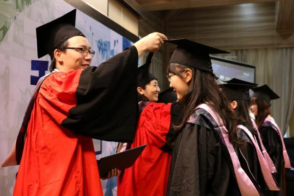 Les diplômés  d'université ne sont pas embauchés par les entreprises chinoises. (Image: Locies / Pixabay)