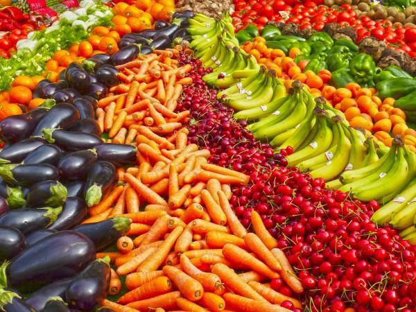 Sortez de votre routine et cueillez des fruits et des légumes riches en couleurs. (Image : Pixabay)