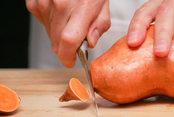 La patate douce est capable de prévenir le cancer de l'intestin et le cancer du sein. (Image: Steve Johnson / Flickr)