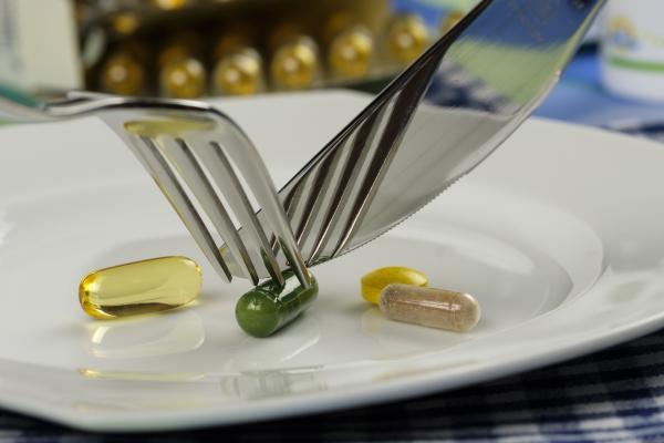 Il est recommandé de consommer les nutriments directement à partir des aliments plutôt que de prendre des suppléments. (Image: Bru-nO / Pixabay)
