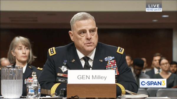 Le général Mark Milley a déclaré que Pékin s'améliore sur les cinq fronts de défense - terrestre, aérien, maritime, spatial et cybernétique. (Image : Capture d'écran / YouTube)