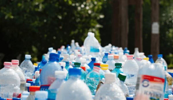 Le Royaume-Uni utilise près de 38,5 millions de bouteilles en plastique par  jour. (Image: pexels / CC0 1.0)