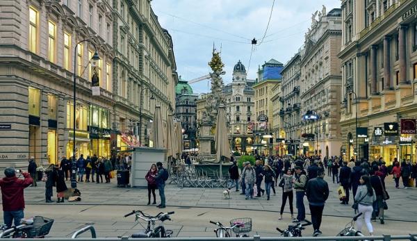 Une scène magnifique sur une place à Vienne, Autriche. (Image: Pedro Szekely via flickr CC BY-SA 2.0)