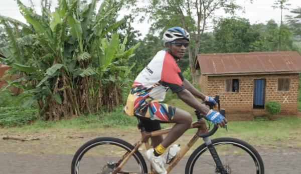 Un atelier dans la capitale ougandaise de Kampala qui fabrique des bicyclettes pas tout à fait comme les autres, utilisant le bambou comme matériau pour le cadre. (Capture d'écran YouTube)