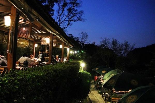Maokong est un endroit romantique de Taïpei à visiter la nuit. (Image: Avec l'aimable autorisation du salon de thé Yao Yue)