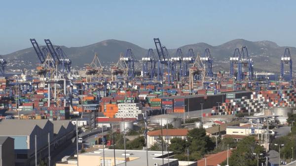 L'investissement dans le port du Pirée s'inscrit dans le cadre de l'initiative route et ceinture ou nouvelle route de la soie. (Image : Capture d'écran / YouTube)