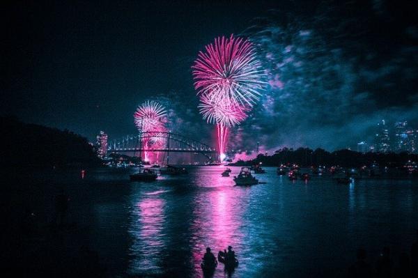 C'est à Sydney qu'on peut admirer les plus beaux feux d'artifices. (Image :Tom Hill/Pixabay)