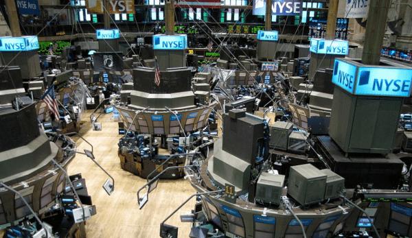 Les analystes financiers avertissent que le coronavirus pourrait faire dérailler l'économie mondiale s'il n'est pas rapidement maîtrisé. (Image :Kevin Hutchinson/ wikimedia / CC BY 2.0)