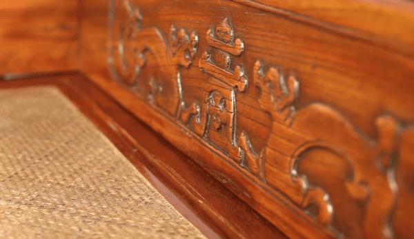 Les meubles de qualité de la dynastie Ming avaient un design simple et épuré, avec très peu de décorations. (Image : Capture d'écran / YouTube)
