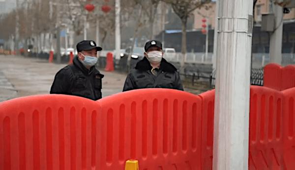Les conséquences des mesures drastiques prises par la Chine pour stopper le virus - en limitant la circulation d'environ 700 millions de personnes à un moment donné. (Image : Capture d'écran / YouTube)