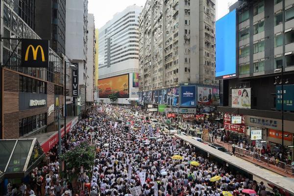 Les évènements qui se sont déroulés à Hong Kong au cours du second semestre 2019 ont fortement marqué le monde et ont dévoilé le rôle tenu par le Parti Communiste Chinois (PCC).(Image : wikimédia / Wpcpey / CC BY-SA)