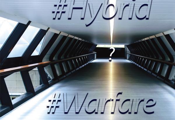 La guerre hybride est un fait, elle l'est depuis toujours, et elle a même été mentionnée par le général chinois et auteur de «The Art of War», Sun Tzu, il y a plus de 2000 ans. (Image : Photo byOliver Hale,Unsplash/ Meme by Hermann Rohr)