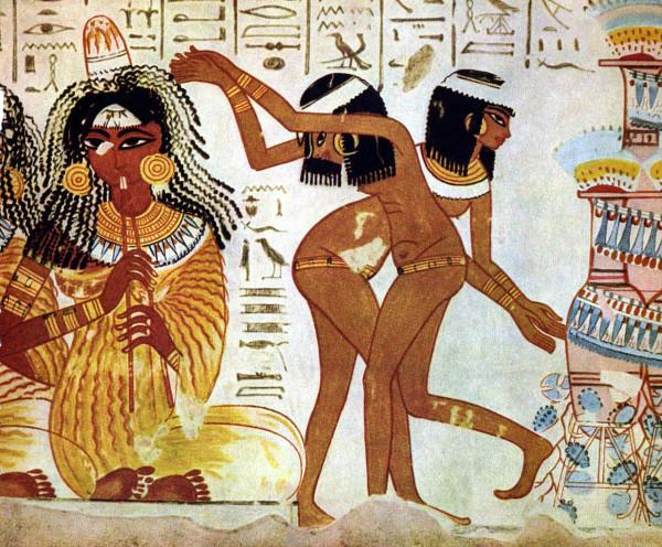 Dans l'Art Égyptien, les femmes étaient souvent représentées avec une taille fine et haute, des hanches étroites. (Image :wikimedia/CC0 1.0)