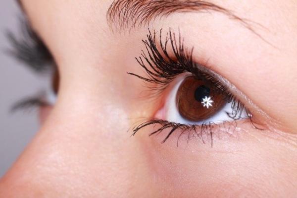 La gymnastique des yeux peut vous aider dans le traitement de la cataracte, de certaines maladies oculaires externes, de la myopie, de l'hypermétropie et de la presbytie. (Image :PublicDomainPictures/Pixabay)