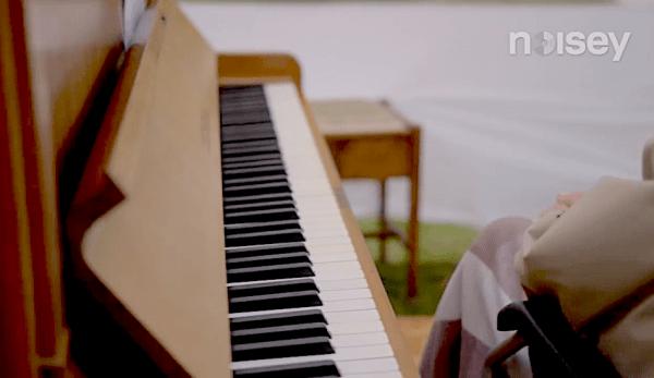 La musique a le pouvoir d'enrichir le cerveau et l'esprit. (Image : Capture d'écran /YouTube)