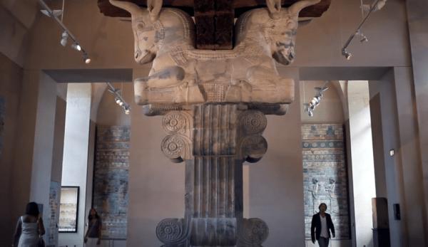 Google Arts & Culture permet de faire une visite virtuelle des collections de plus de 1 200 musées. (Image : Capture d'écran /YouTube)