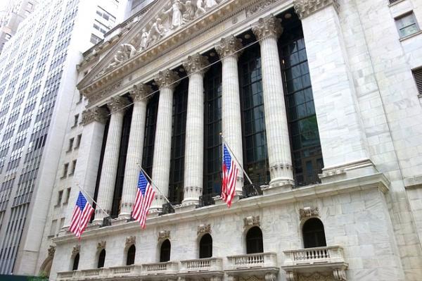 La collaboration, le soutien et la dépendance des géants de Wall Street à l'égard du PCC valent-ils la perte de nos droits et de nos normes, l'effondrement de l'économie, l'effondrement des systèmes de soins de santé ? (Image :S B/Pixabay)
