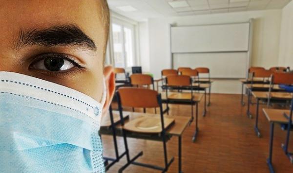 «Des masques pour les enseignants, mais pas pour les élèves». (Image :Alexandra_Koch/Pixabay)