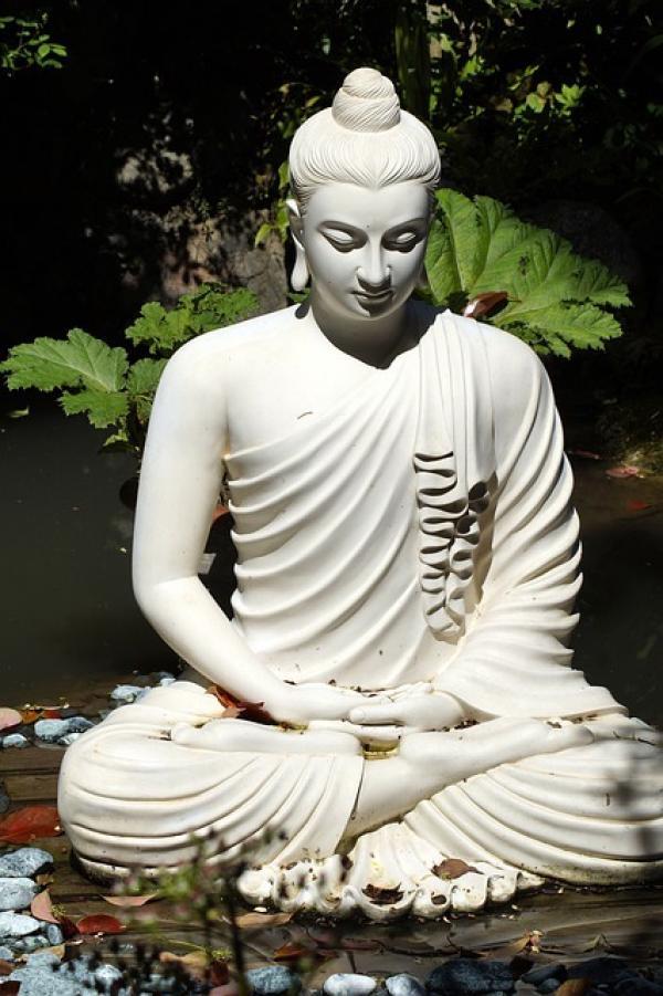 Bouddha Shakyamuni en méditation. (Image :Jessica P./Pixabay)