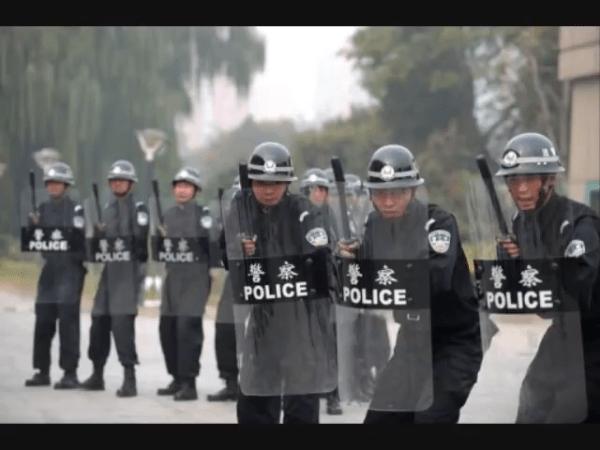 iFLYTEK a aidé le département de police du Xinjiang à identifier des personnes à l'aide d'empreintes vocales. (Image : Capture d'écran /YouTube)