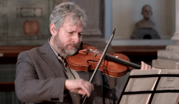 Inventé dans les années 1500 par un italien du nom d'Andrea Amati, le violon est l'un des instruments les plus appréciés au monde. (Image : Capture d'écran / YouTube)