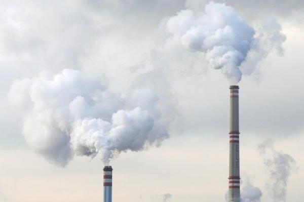 La pollution de l'air peut augmenter l'évaporation du liquide lacrymal, entraînant une sécheresse oculaire. (Image :PublicDomainPictures/Pixabay)