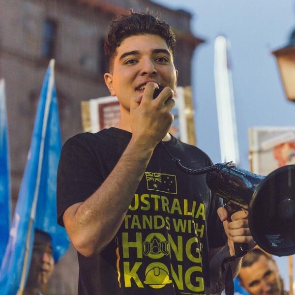 Drew Pavlou a critiqué le traitement réservé par la Chine aux Ouïgours et a déclaré qu'il avait soutenu les manifestations pro-démocratiques à Hong Kong. (Image : wikimedia / Drew Pavlou / CC BY-SA)