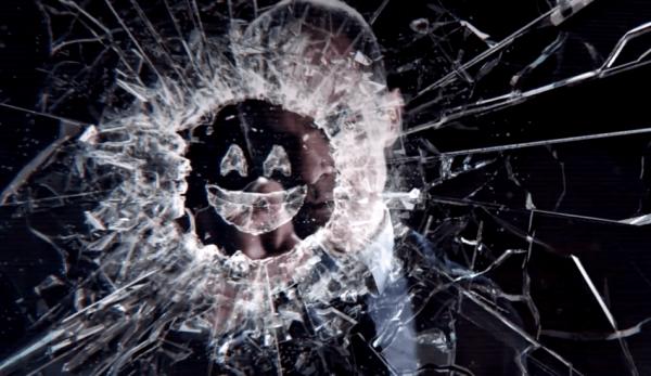 Black Mirror est une série d'anthologies dystopiques qui explore les conséquences de la technologie sur les individus et les sociétés. (Image : Capture d'écran / YouTube)
