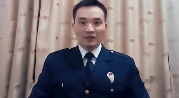 Zhao Hu, un sergent de la marine chinoise à la retraite, a contourné la censure d'Internet en Chine pour mettre en ligne une vidéo critiquant le Parti communiste chinois. (Image : Capture d'écran /YouTube)