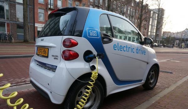 La France veut produire un million de véhicules électriques par an d'ici à 2025. (Image :Pixabay/CC0 1.0)