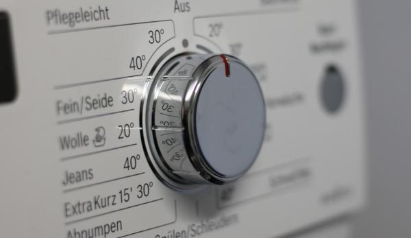 Leur analyse médico-légale a révélé que 114 mg de microfibres était libérés en moyenne par kilogramme de tissu lavé au cours d'un cycle de lavage standard. (Image :pixabay/CC0 1.0)