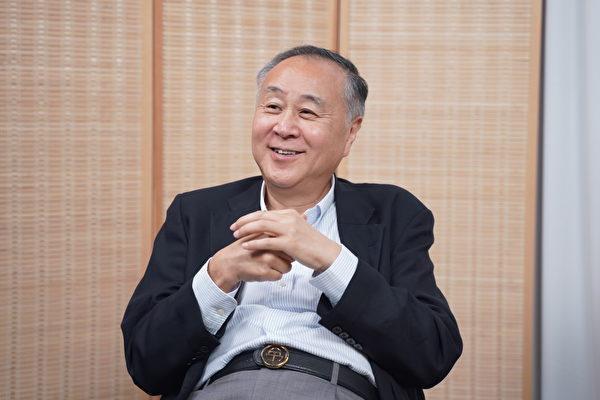 Yuan Gongyi, industriel de Hong Kong âgé de 72 ans, a pris ouvertement position pour s'opposer à la loi dite de sécurité nationale promulguée contre Hong Kong par le régime du continent. (Image :Guan Xin / ET)