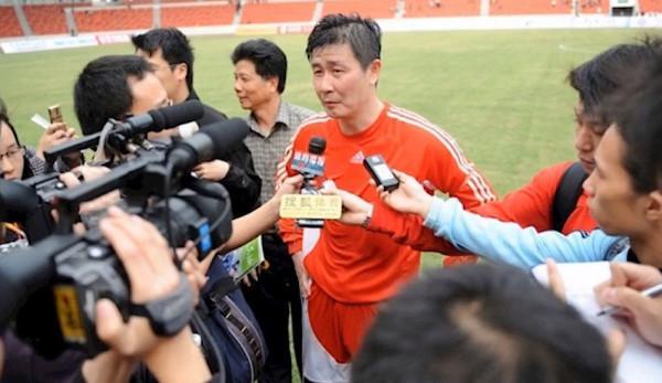 Hao Haidong s'est insurgé contre l'incompétence et la corruption au sein de l'Association chinoise de football, ce qui lui a valu le surnom de « Canon Hao ». (Image : Capture d'écran /YouTube)