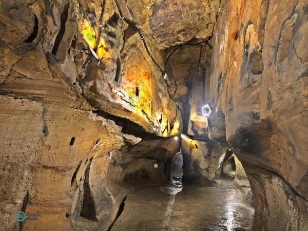 La Grotte de la main de Bouddha ressemble à un labyrinthe. (Image : Billy Shyu / Vision Times)