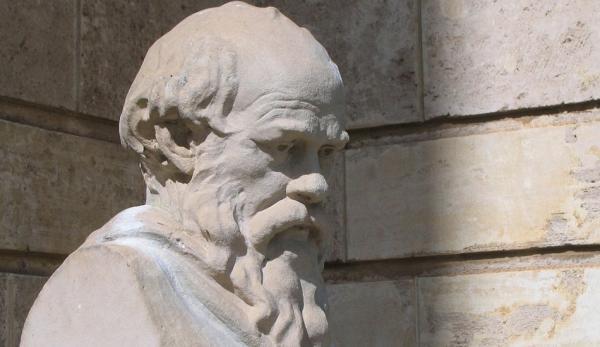Socrate remettait tout en question et enseignait aux autres à faire de même. (Image :Greg O'Beirne /wikimedia /CC BY-SA 3.0)