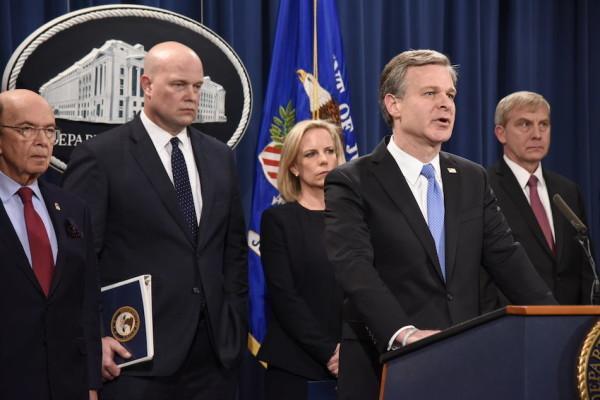 Le directeur du FBI Christopher Wray lors d'un événement annonçant des charges pénales relatives à la sécurité nationale contre le conglomérat de télécommunications chinois Huawei, le 28 janvier 2019. (Image : Kirill Sharkovski / Unsplash)