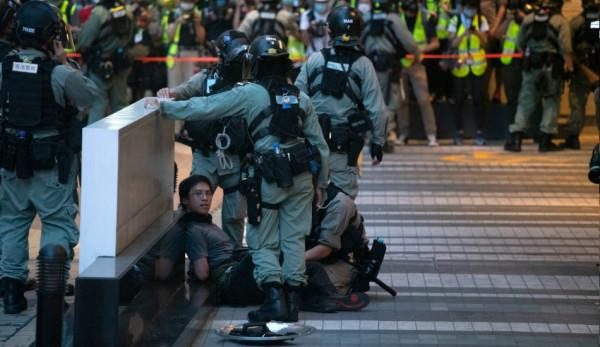 La loi sur la sécurité nationale étant maintenant entrée en vigueur, Joshua Wong n'était pas sûr que ses alliés de Demosisto soient à l'abri de la persécution. (Image :Studio Incendo/flickr / CC BY 2.0)