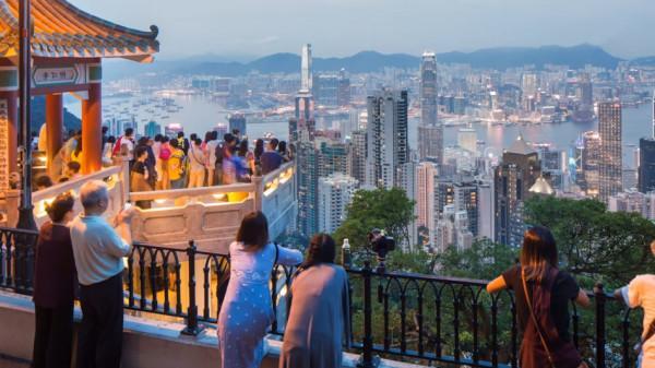Les entreprises ne sont pas sûres de pouvoir respecter les normes internationales en matière de droits de l'homme, en demeurant à Hong Kong. (Image : Capture d'écran / YouTube)