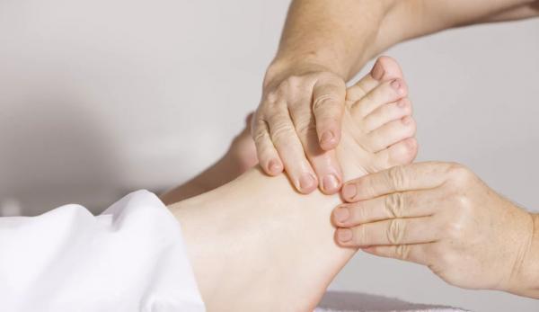 Le massage des pieds peut aider à soulager certains problèmes. (Image :Pixabay/CC0 1.0)