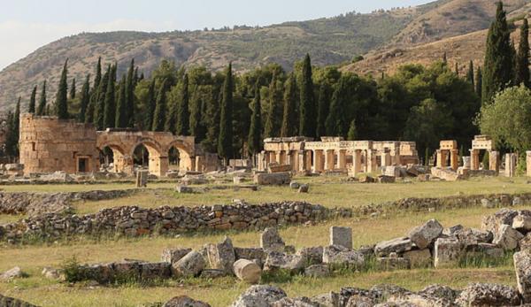 La cité antique de Hiérapolis est située en Turquie.(Image :Wikimedia/GNU FDL)