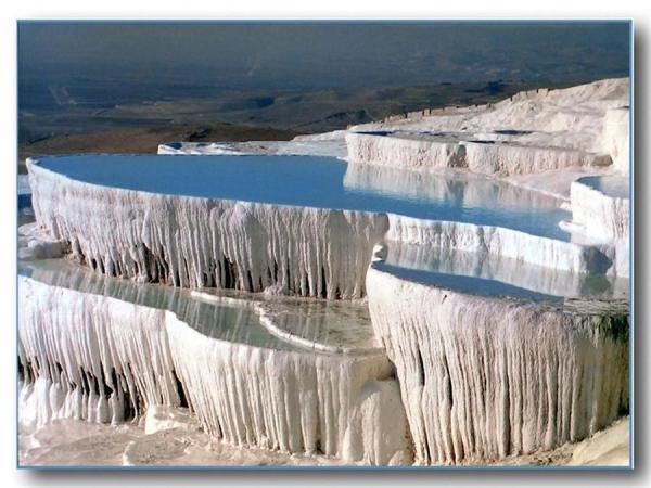 es travertins de Hiérapolis. (Image : Wikimedia / Mhyigit / CC BY-SA)