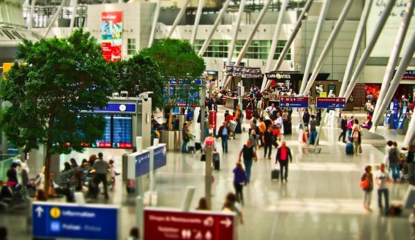 Les étudiants chinois font l'objet d'une surveillance accrue dans les aéroports.(Image :Pixabay/CC0 1.0)