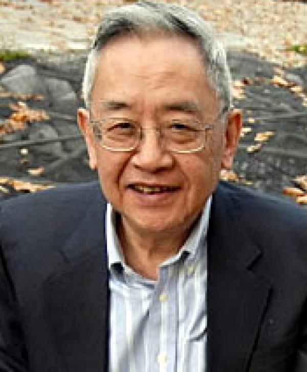 En 2002, Yu Ying Shi, le célèbre historien a déclaré dans une interview qu'il n'y avait pas d'histoire en Chine continentale depuis 1949, et que les «histoires» qui existent sont toutes de fausses histoires, créées pour la propagande politique. (Image : wikimedia / Domaine public)