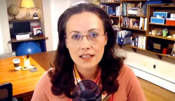 Kay Rubacek a été arrêtée par le PCC en 2001 pour le «crime» de défendre les droits humains. (Image : Capture d'écran / YouTube)