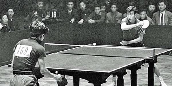 Au début des années 1970, les États-Unis et la Chine se sont livrés à une série de matchs de ping-pong qui ont eu pour résultat d'inciter les deux nations à s'entendre à l'amiable. (Image : Capture d'écran / YouTube)